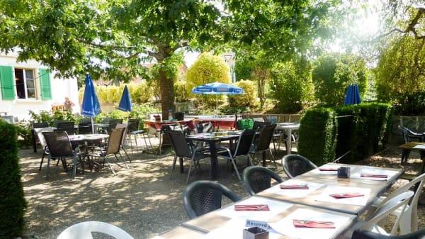 Terrasse - Café-Restaurant de la Poste, Villars-Mendraz