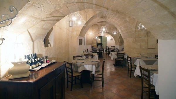 L'Arco, Matera