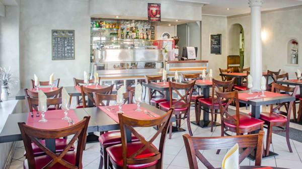 Salle principale de notre restaurant - La Toscana, Russ