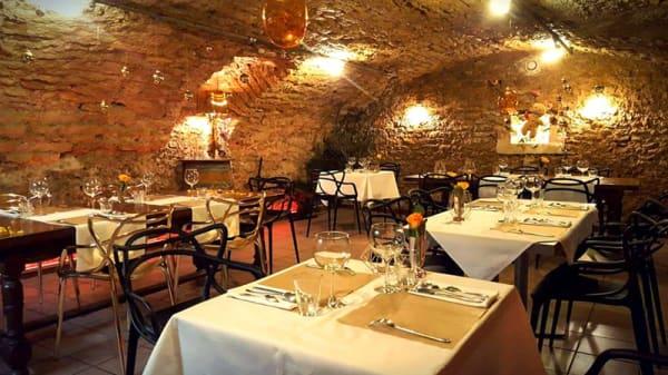 Salle du restaurant - Au Caveau, Bruley