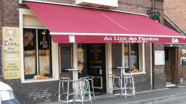 Devanture - Le Lion des Flandres, Lesquin