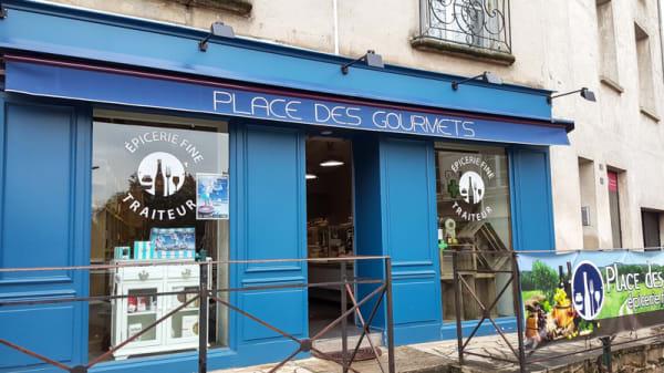 Façade du restaurant - Place des Gourmets, Châtillon