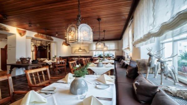 Romantik Hotel Hirschen - Wirtsstuben, Parsberg