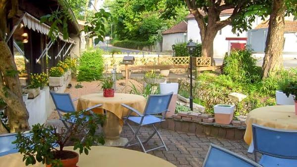Terrasse - La Fontaine, Creuzier-le-Vieux