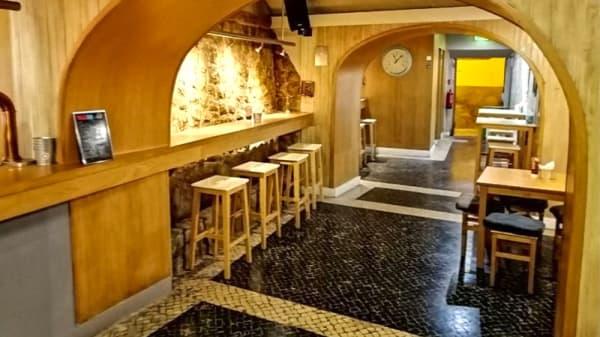 Sala - Alef Burger Bar, Faro