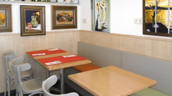 Vista sala - Platina Café, Madrid