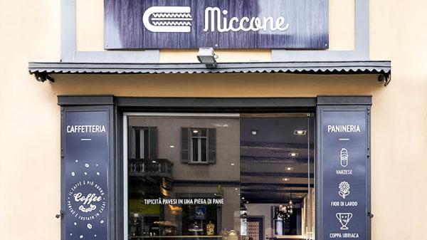 Entrata - Miccone, Pavia