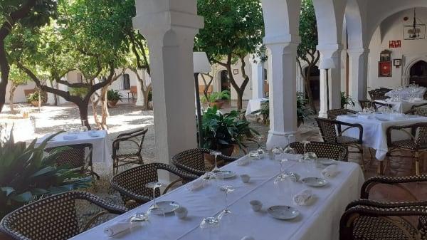 almuerzos en Claustro del SXIV - Restaurante Parador de Guadalupe, Guadalupe