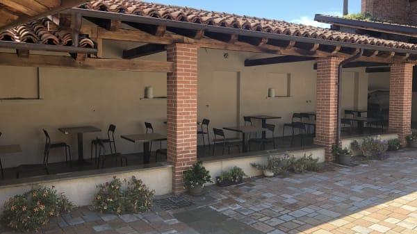 il portico estivo - Il Diavolo Sulle Colline, San Bernardino