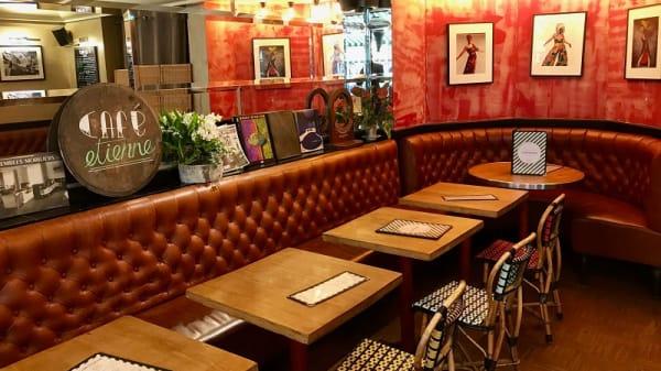Salle du restaurant - Café Etienne, Paris