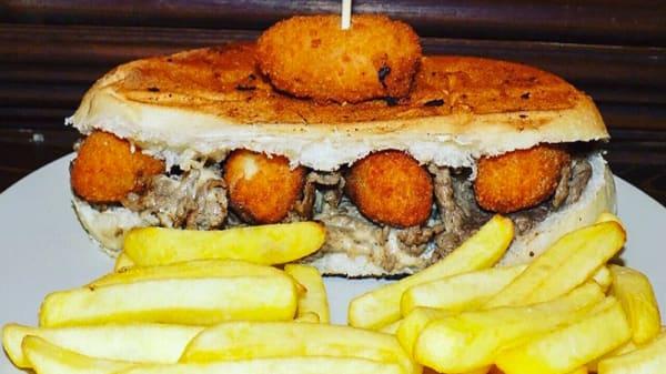Piatto - Tony Burger, Casalnuovo di Napoli