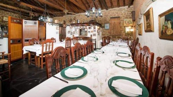 Sala del restaurante - El Asador del Duque, Moralzarzal