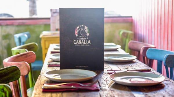 Mesa para 6 - Cantina Canalla - Antracita, Madrid