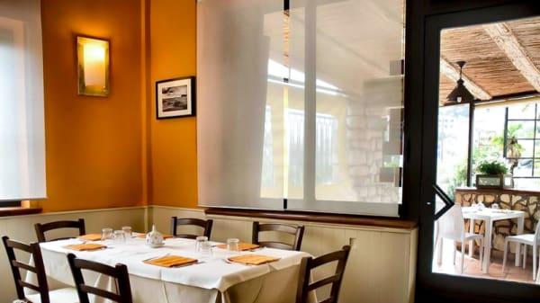 Veduta dell interno - Ristorante Castelluccio, Taormina