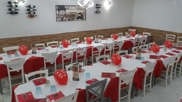 sala interna - La Dea Pizzeria e Trattoria, San Giorgio a Cremano