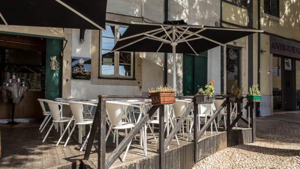 Esplanada - Le Petit Café, Lisbon