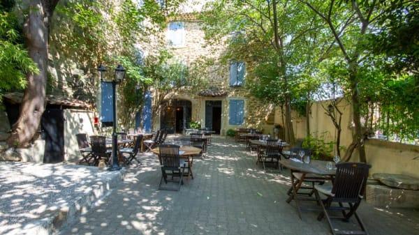 Terrasse - Le Brigand, Suze-la-Rousse