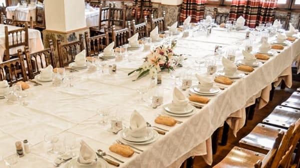 Detalle mesa - Mesón Alcarria, Fuenlabrada