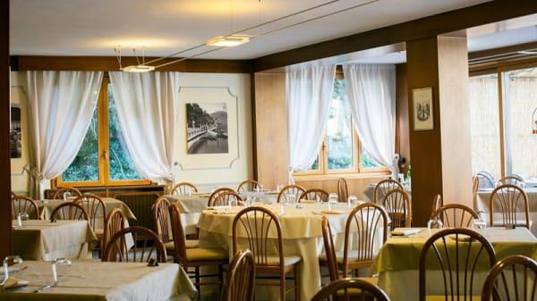 Vista sala - Vapore, Faggeto Lario