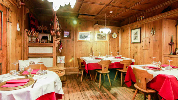 Sala del ristorante - La Canisela, San Martino di Castrozza