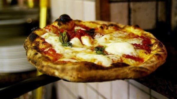 Pizza E Cucina Politeama In Palermo Restaurant Reviews Menu And Prices Thefork