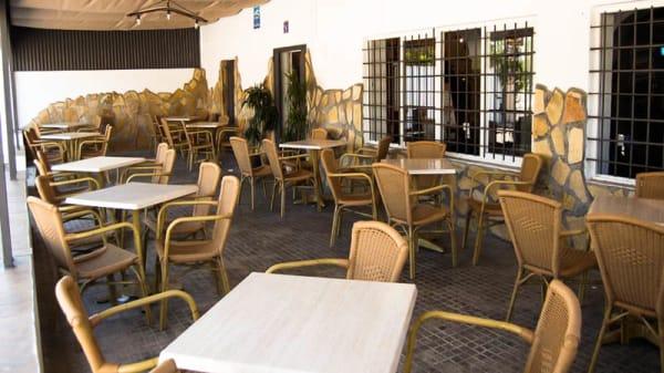 """La terraza - Restaurante """"Venta La Alegria"""", Chiclana De La Frontera"""
