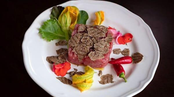 Tartare di fassone al tartufo nero - Villa Bordone Restaurant, San Grato