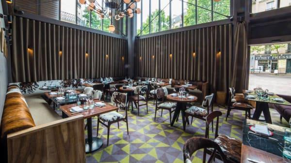 Salle du restaurant - L.Étable  d'Hugo Desnoyer Secretan Paris - Halle Secrétan, Paris