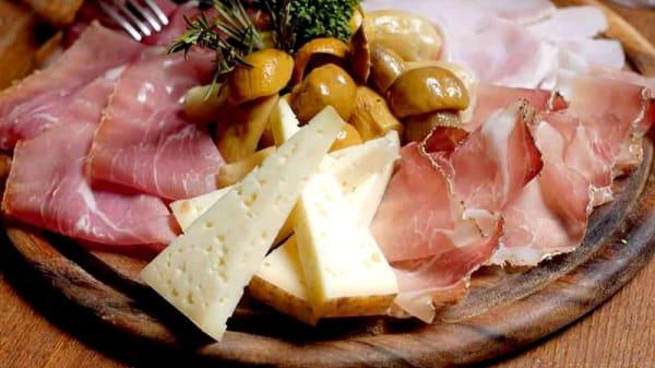 Suggerimento dello chef - I Tre Porcellini, Dronero
