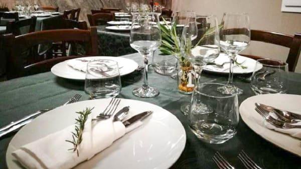 particolare tavolo - Botticelli Bistrò, Floresta