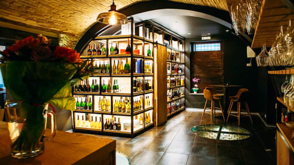 Vista della sala - Evo Fish Bistrot & wine bar, Vasto