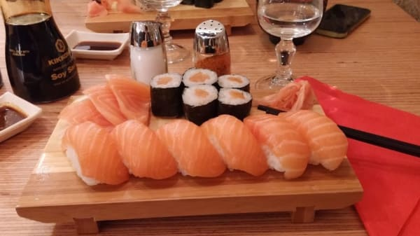 Waza Sushi, Paris