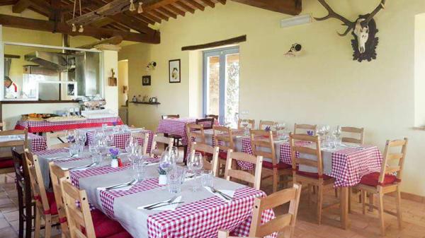 SALA RISTORANTE INTERNA - Borgo Campanile Agriturismo, Montefiascone