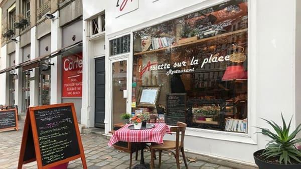 Vue de la terrasse - L'Assiette sur la Place, Lyon