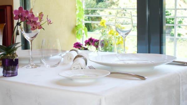 Salle du restaurant - Le Puits du Trésor, Lastours