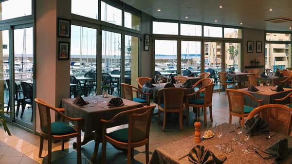 salle cap120 restaurant bormes - CAP120 Restaurant