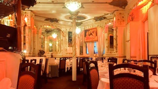 salle - Punjab Palace, Paris