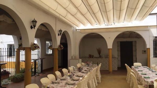 vista sala - Aqui me quedo, Sevilla