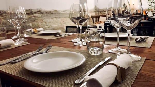 Particolare tavolo - Stile Primitivo, Campomarino