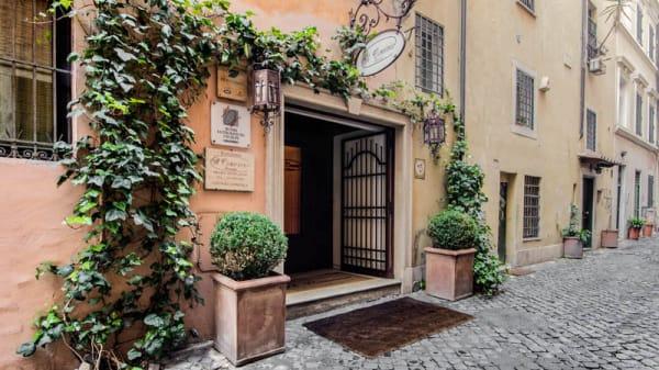 Entrata - Il Convivio Troiani, Roma