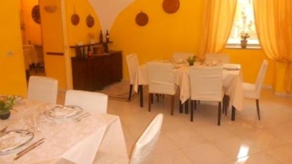 sala interna - Ristorante Pizzeria Aumm Aumm, Castellammare di Stabia