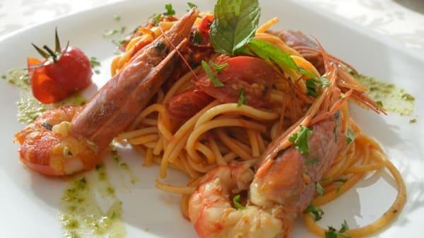 Spaghetti con Gamberoni e Pomodorini - Palm beach hotel, Cinisi