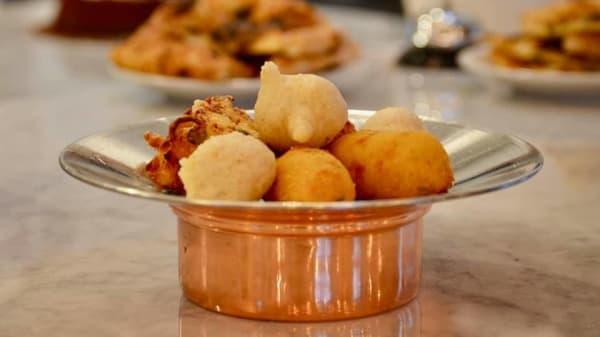 Lo Chef Consiglia - Eccellenze Campane (Brin), Naples