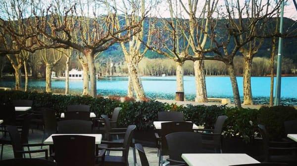 Vista terraza - La Carpa de l'Estany, Banyoles