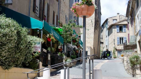 Terrasse - La Strega, Fayence