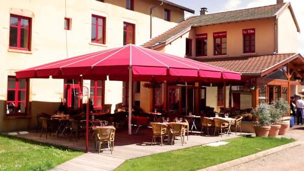 Terrasse - Le Tilia, Joux