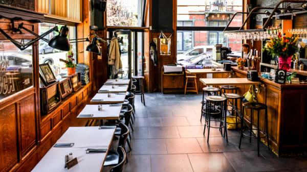 vue de la salle et le bar - Emile Bistro, Ixelles