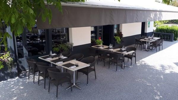 Terrasse - Le Délice des Papilles, Bruniquel