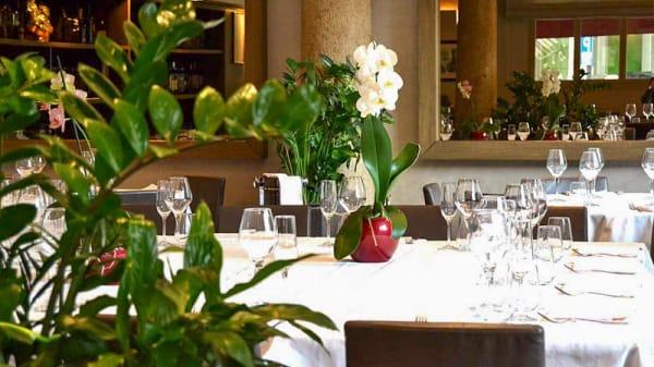 Sala del ristorante - Piazza Repubblica, Milano