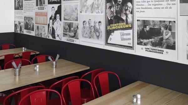 Vue de la salle - Les Tontons Burgers Charpennes, Villeurbanne